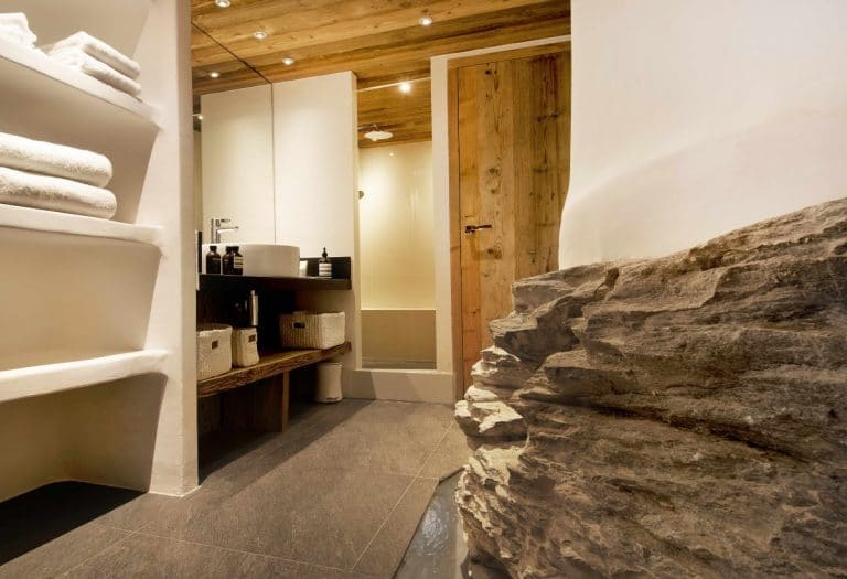 Vieux Pont, Val D'Isere - The Chalet Edit