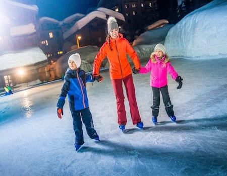 Ice Skating Val d'Isere - Family activities in Val dIsere 6 - The Chalet Edit