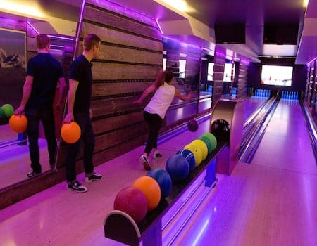 Bowling in Val d'Isere - Family activities in Val dIsere 7 - The Chalet Edit