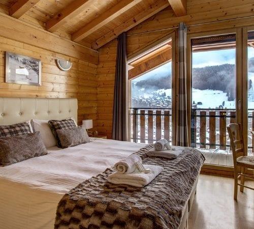 Luxury-Ski-Chalet-Le-Roc-Soleil-Morzine